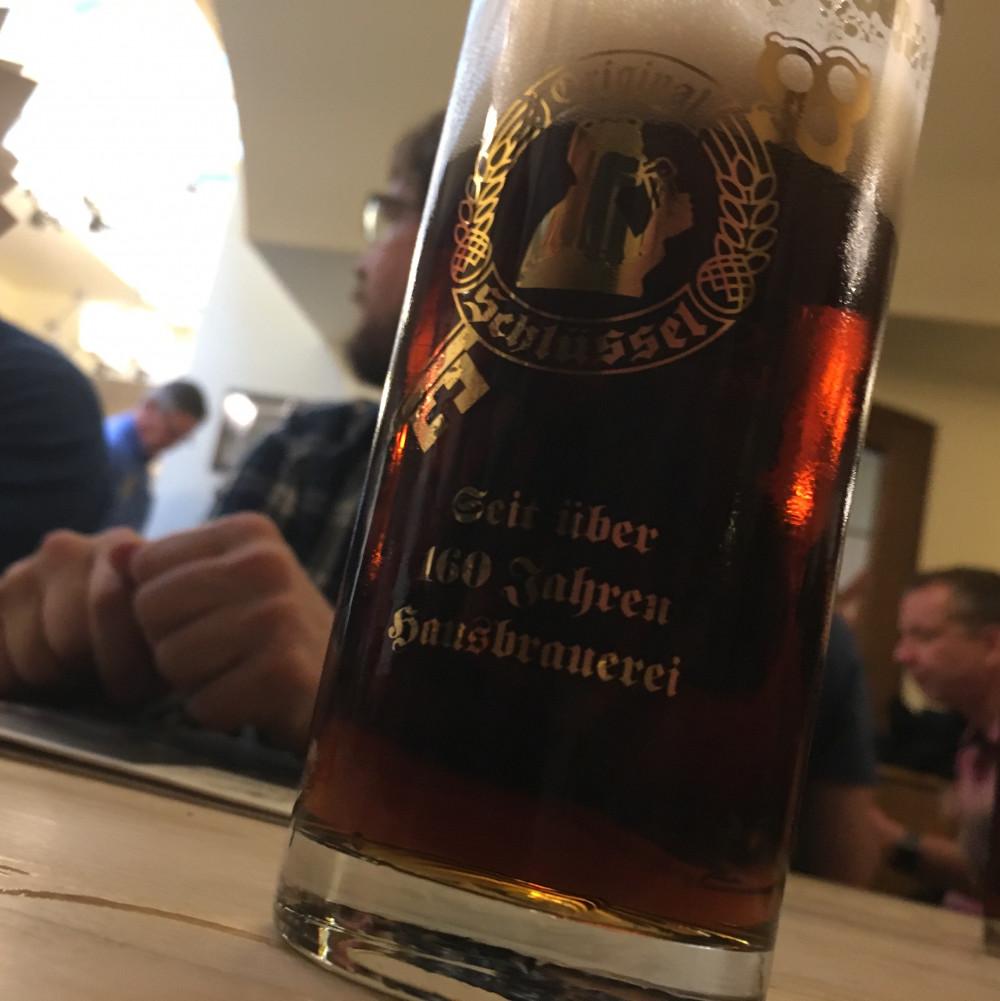 bier-1000x1001-blur
